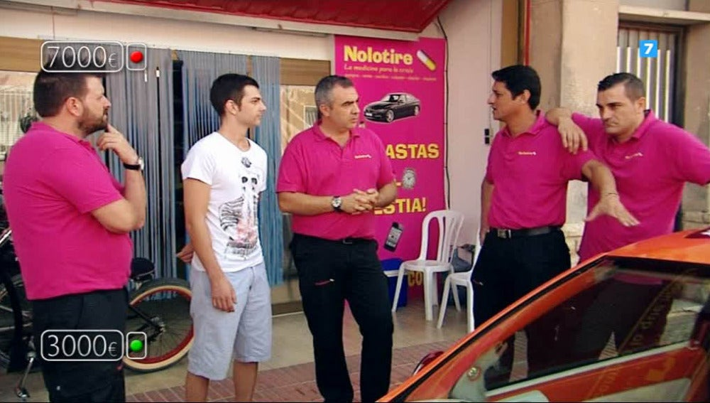 Bienvenidos a 'Nolotires', el popular negocio de segunda mano de Alicante