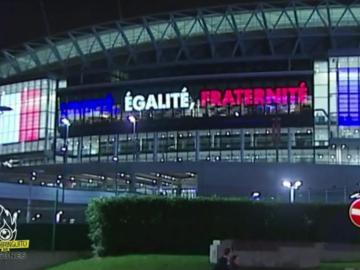 Wembley rinde homenaje a las víctimas de París