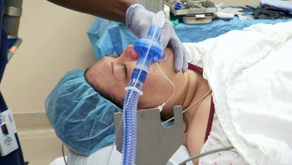 Mayra es sometida a intervención quirúrgica
