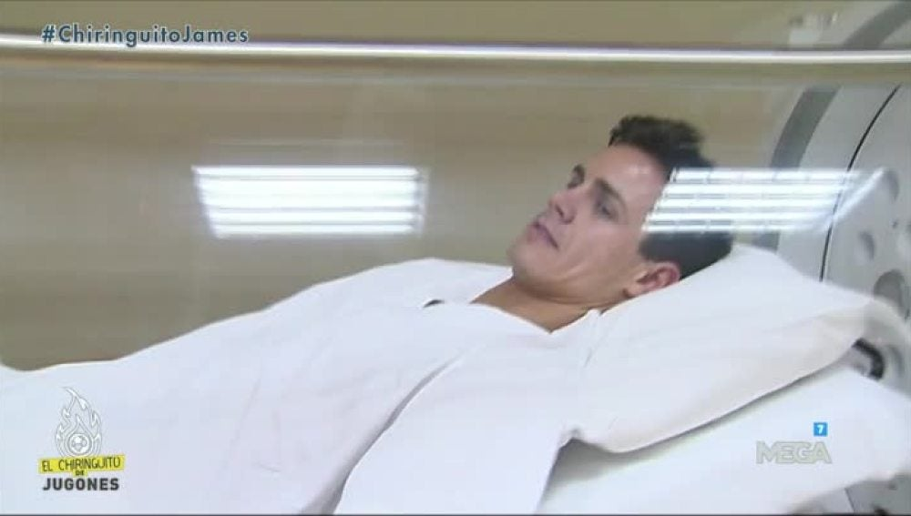 Edu Aguirre en la cámara hiperbárica