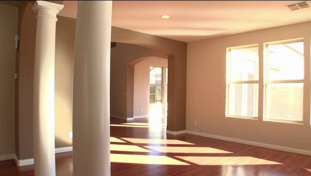 Frame 0.0 de: Transforma una casa ruinosa en una propiedad de más de 300.000 dólares