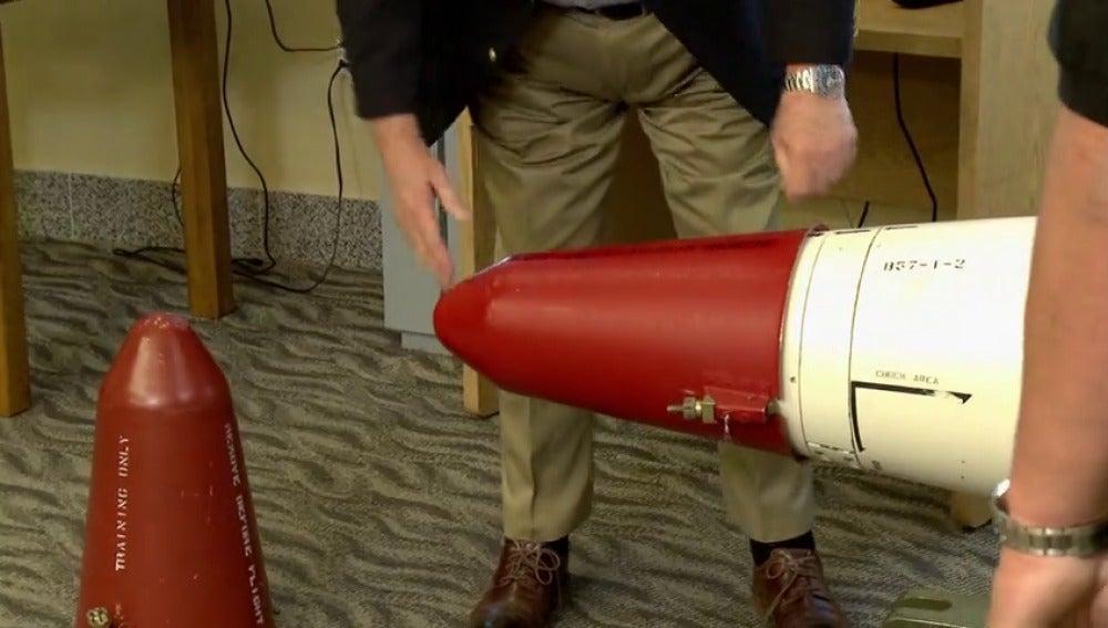 Frame 54.343766 de: ¿Cuánto cuesta un trozo de bomba nuclear?
