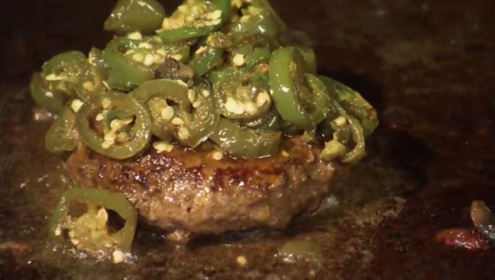 La 'hamburguesa del infierno', creada por el mismo demonio