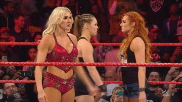 Ronda Rousey, Becky Lynch y Charlotte Flair