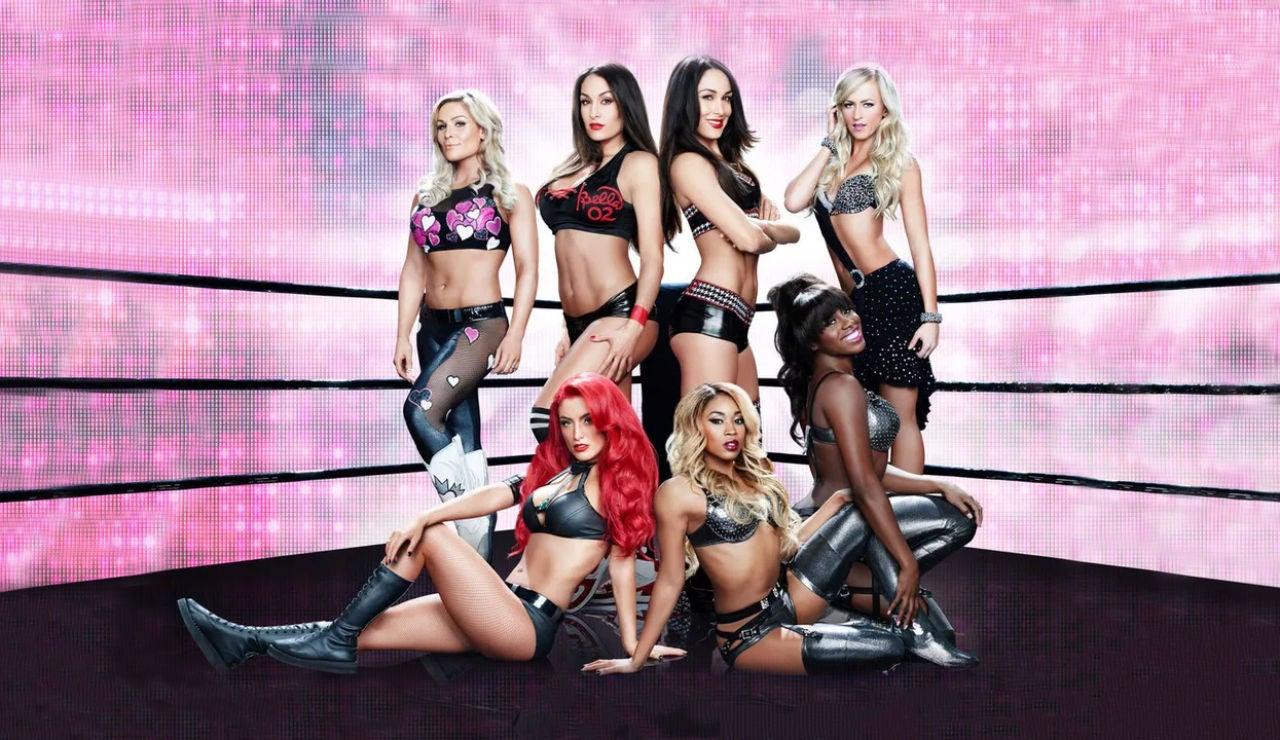 T2 Total Divas (Sección)