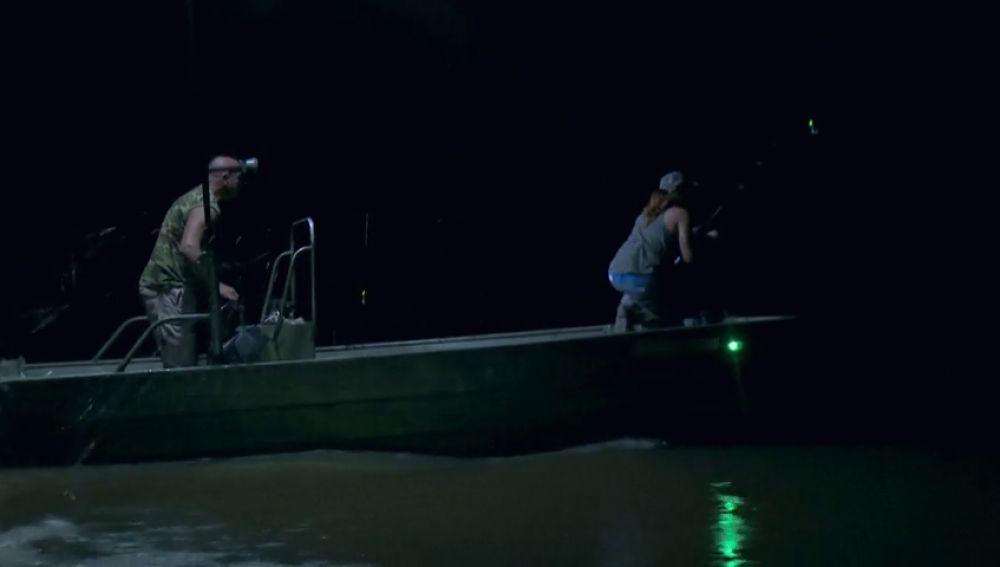 Se resiste la caza nocturna del caimán para la pareja de Luisiana