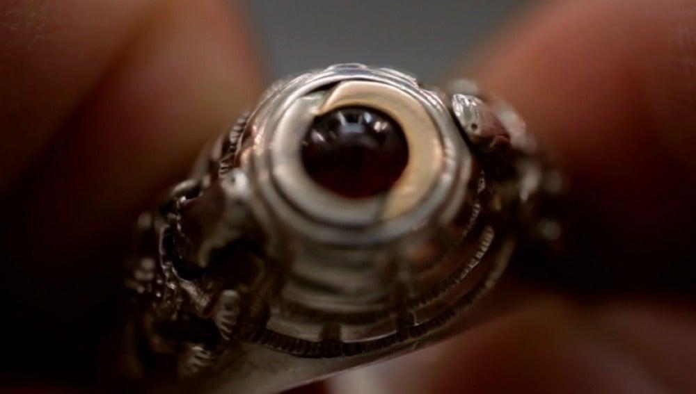 Frame 30.910159 de: El anillo de suicida que nunca perteneció al ejército alemán