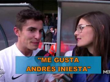 Alba Carreres, con los protagonistas de la Marató