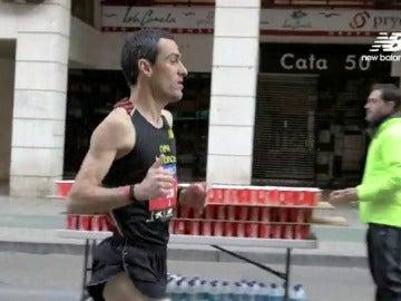 Frame 8.354723 de: El domingo sigue Zurich Maratón de Sevilla en MEGA