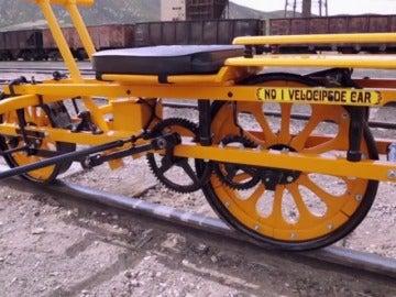 Frame 120.89 de: Rick restaura un velocípedo de más de 100 años de antigüedad
