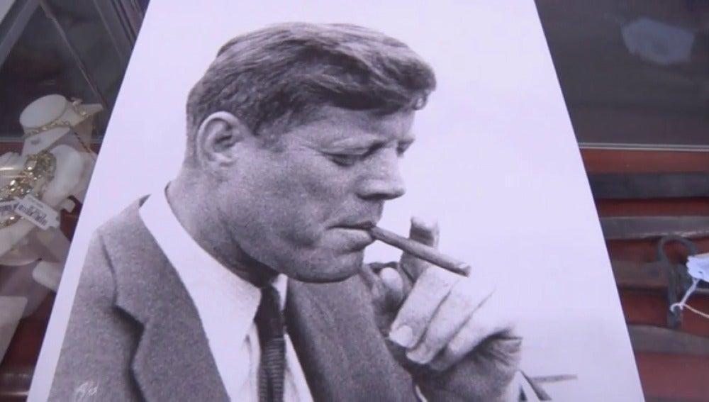 ¿Cuánto cuesta esta caja de puros de JF kennedy?