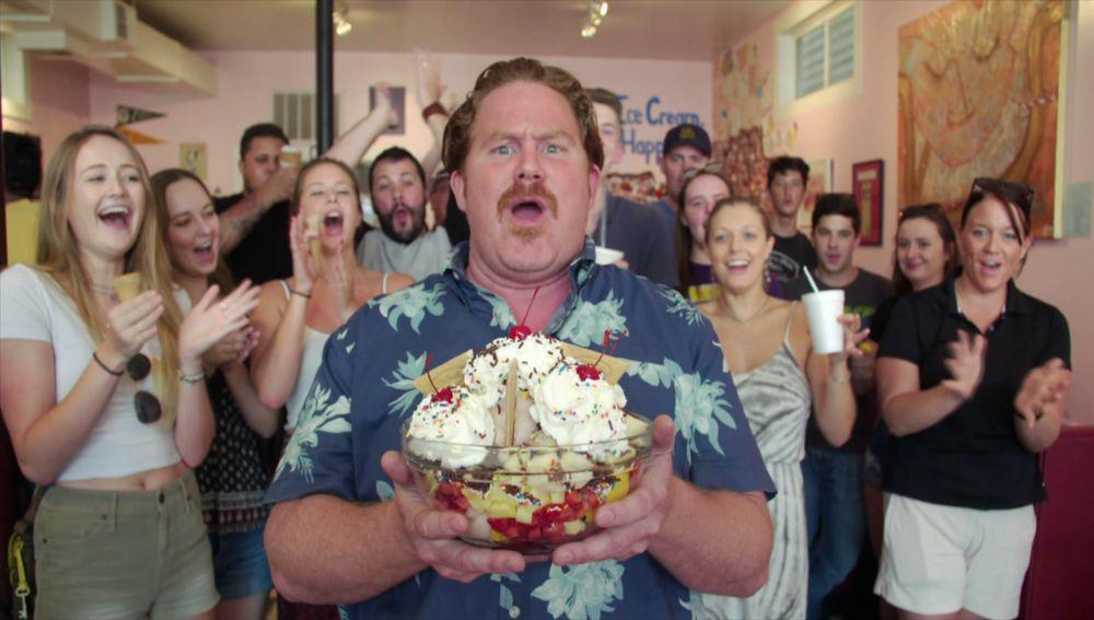 El reto de las 8 bolas de helado con 8 toppings