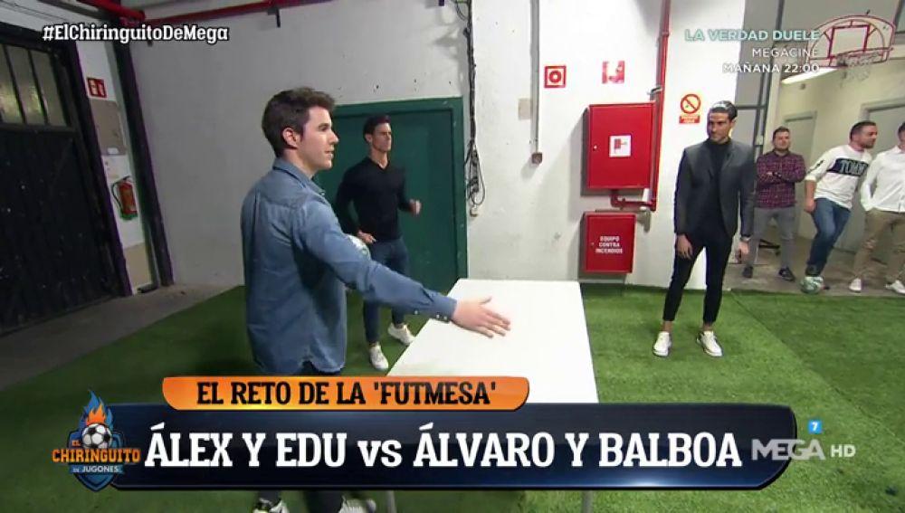 Espectacular partido de 'Fut-Mesa' que enfrentó a Edu Aguirre y Álex Silvestre con Balboa y Álvaro Ruiz