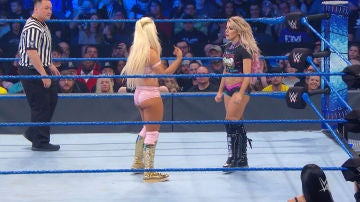 Alexa Bliss y Mandy Rose